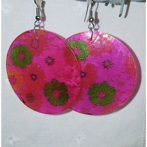 Vintage Jewelry - Fuschia Hot Pink Earrings Circle Round Dangle Boho